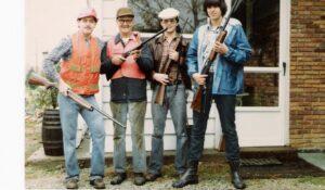 brothers-guns